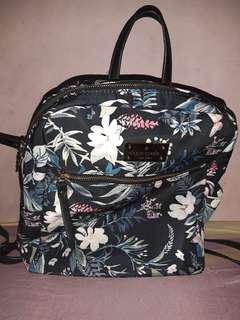Kate Spade Bagpack Overrun