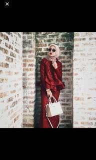 looking for shawlpublika ashanti red XL