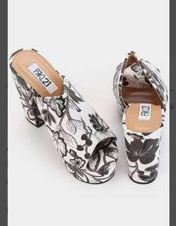 Frkl 21 Vivy Blooming Blocked Heels Black and White