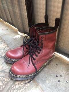 Sepatu kulit custom
