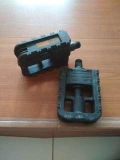 foldable bicycle pedals