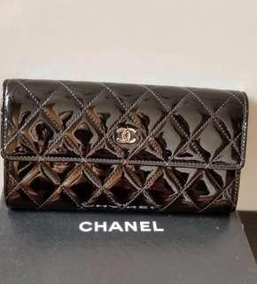 Chanel wallet patent leather