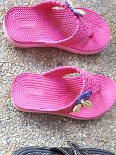 Slippers / Sandals - Size 25