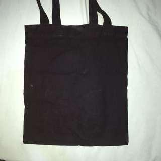 Tote bag hitam (goodie bag)