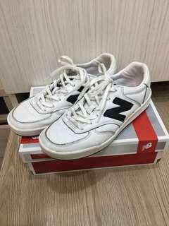 🚚 New Balance 300