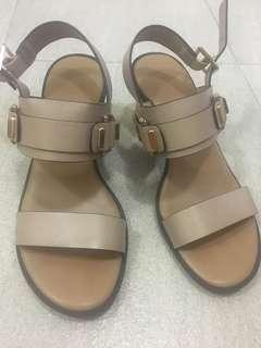 Charles & Keith blocked heel shoes size 34
