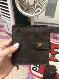LV Vintage Kisslock french wallet