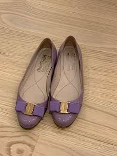 Ferragamo 粉紫色平底鞋