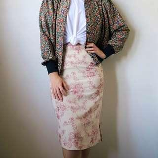 Vintage midi pencil skirt with floral patterns