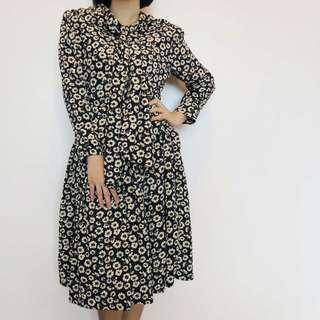 Vintage navy floral long sleeved midi dress
