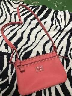 original lacoste slingbag (pre love)