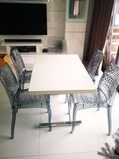 Designer dining table - expendable