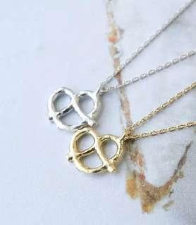 🚚 ✓ Instock Pretzel Necklace