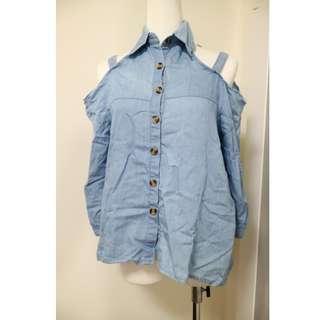 🚚 韓妞穿搭 襯衫式設計 微性感露肩款 百搭丹寧色上衣
