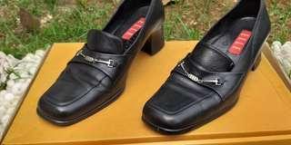 Sepatu Merk Elle - Size 37
