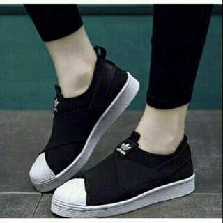 🚚 Adidas 繃帶鞋 (黑)