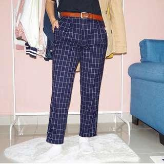 Tapered Grid Pants