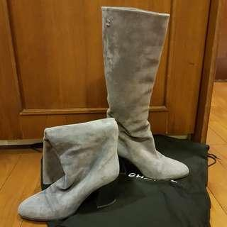 LIKE NEW AUTHENTIC CHANEL BOOTS SZ 37.5