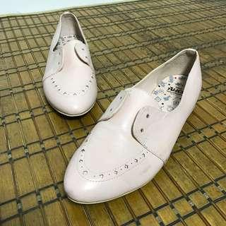Limited Edition Alice in Wonderland Oxford Shoes (missing lace/no box)