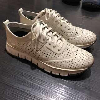 Cole Haan Perforated Size 9