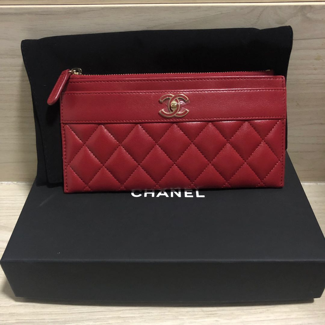 fa57d0969d65 Chanel Flat Pouch/Wallet, Luxury, Bags & Wallets, Wallets on Carousell