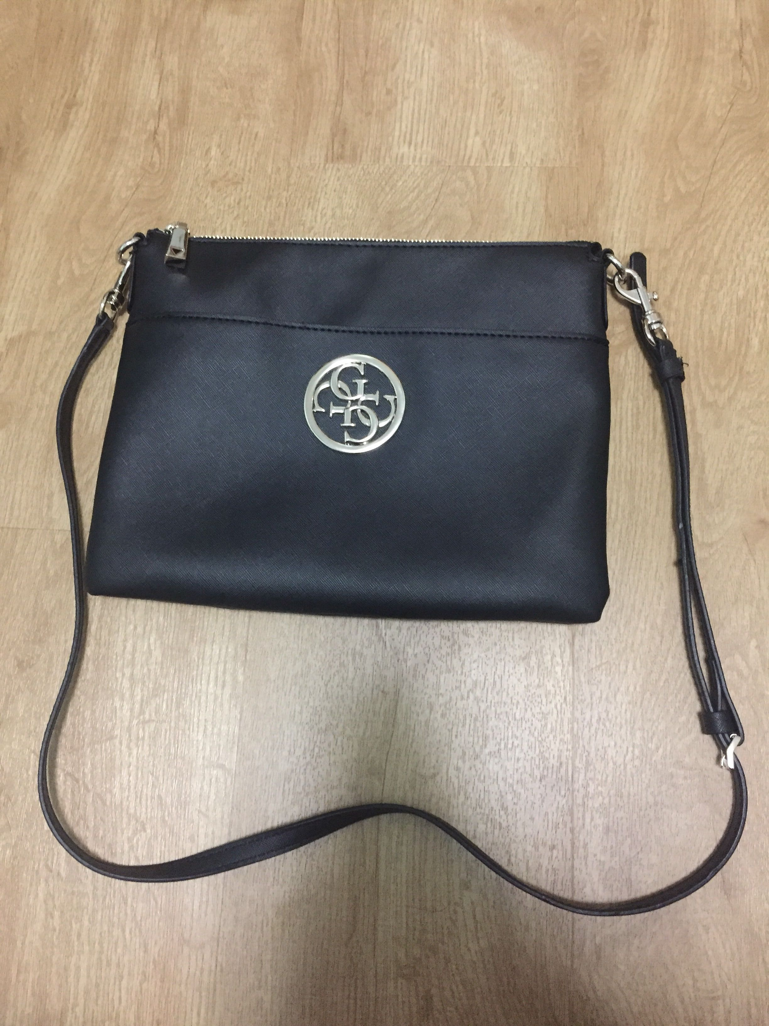 Guess black sling bag (authentic 291c76930316b