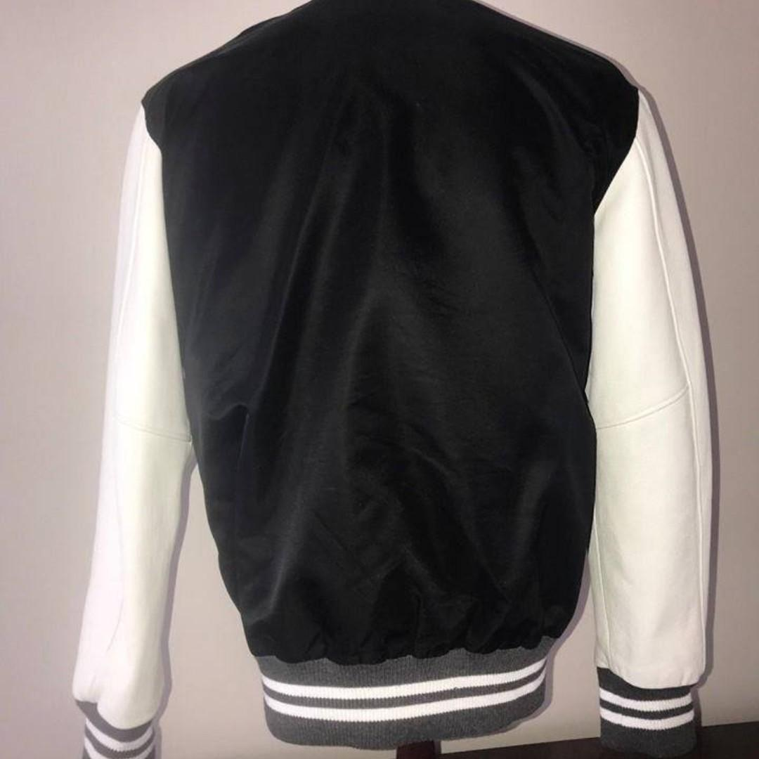 ROOTS Wayne Gretzky 99 Fanstasy Camp X111 Varsity Jacket w/Leather Sleeves RARE!  Mens Size XL Very rare and collectible jacket