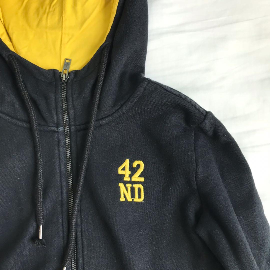 6f875291323bf teebox Black Jacket, Women's Fashion, Clothes, Outerwear on Carousell