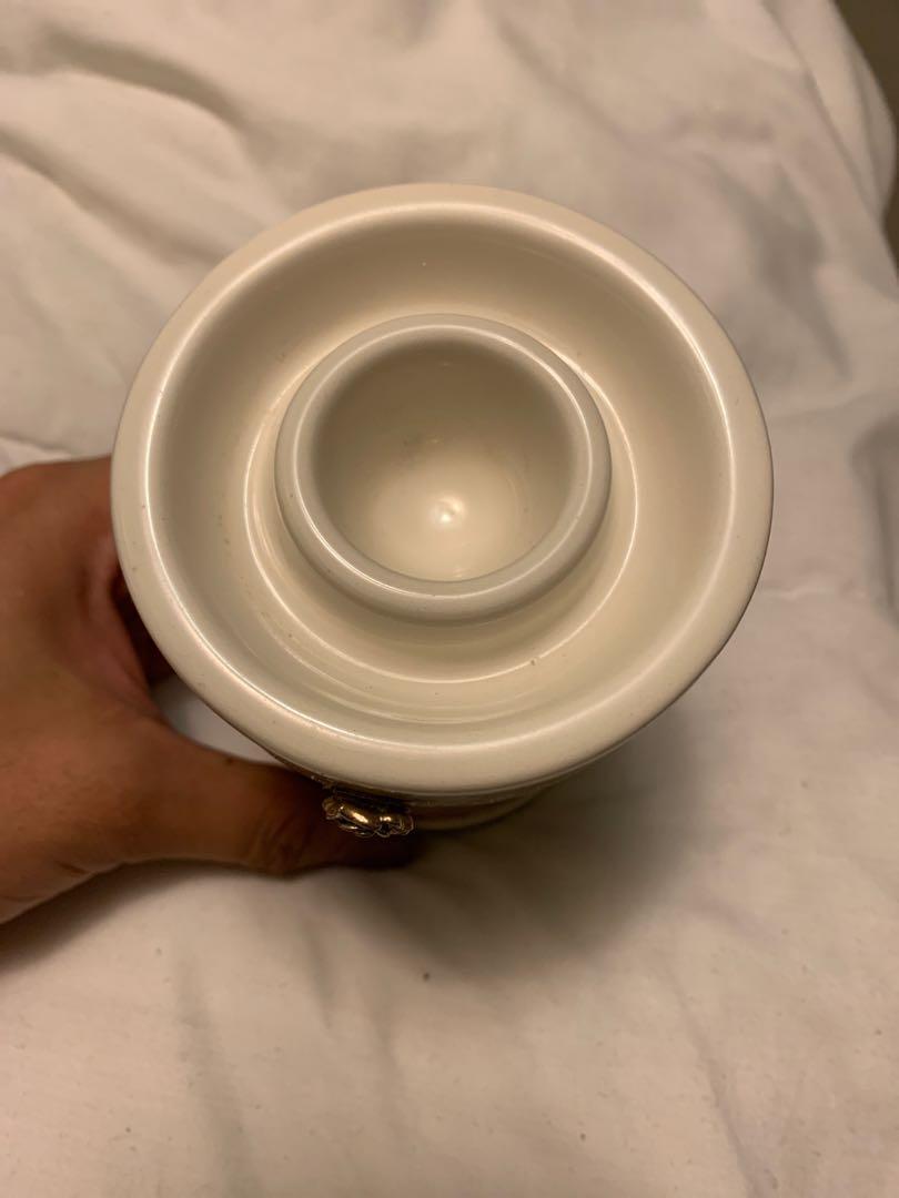 The Body Shop tea light and oil holder