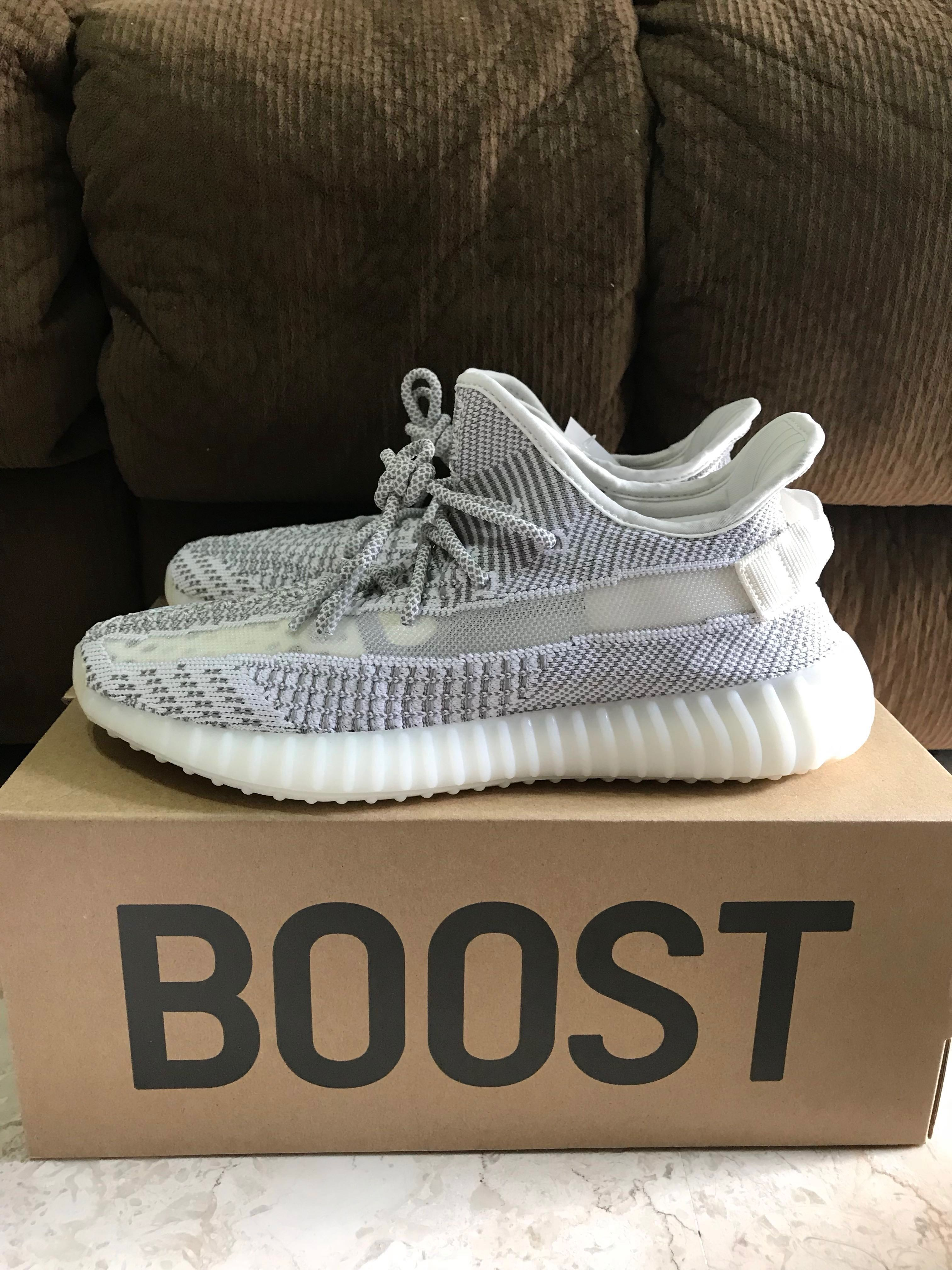 "b2b66270 US 9.5 Adidas Yeezy Boost 350 V2 Static ""Non-Reflective"", Men's Fashion,  Footwear, Sneakers on Carousell"
