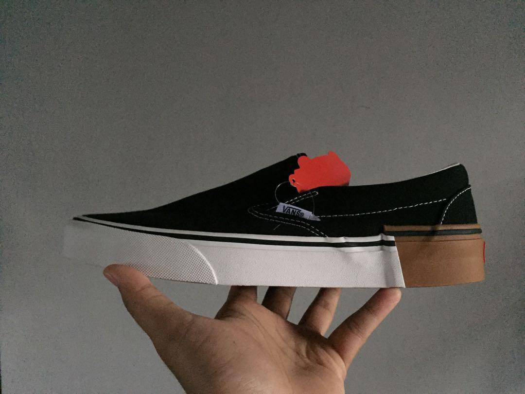 Vans slip on block gum, Men's Fashion, Men's Footwear, Sneakers on Carousell