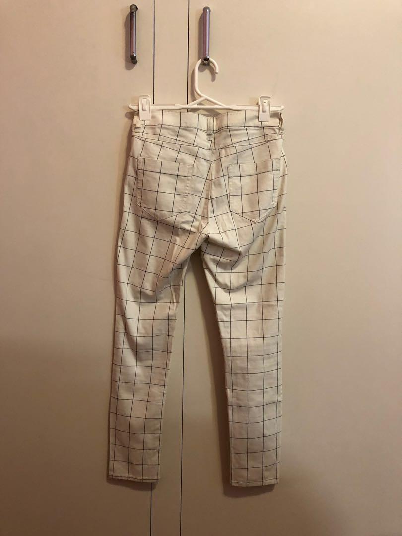 White minimalistic basic grid skinny ankle jeans