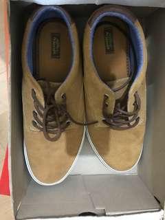 Sneakers pull n bear