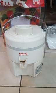🚚 貴夫人果菜榨汁研磨機