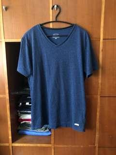 🚚 Navy 深藍V領棉T-shirt