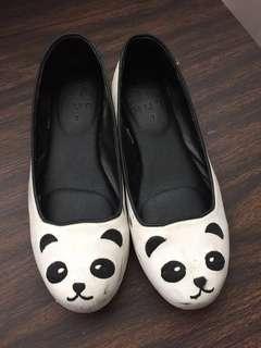 HUE Cute Panda Sandals