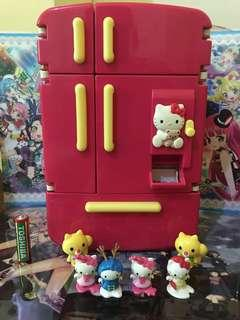 Hello kitty mini ref toy with hk figures