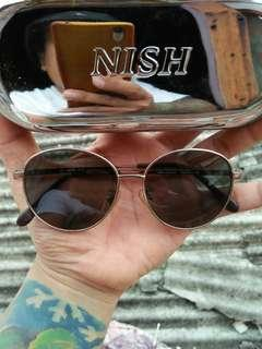 Vintage sunglasses 80s/John Lennon sunglasses Original Brand: MIRA JUNIOR 50¤13-130 Limited edition/rare Vintage Authentic Frame besi chrome metallic Stainless steel/anti karat Pad nose empuk  Full tag logo brand Unisex(bisa untuk cowok/cewek)