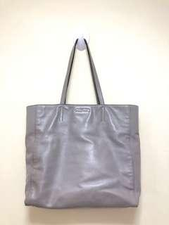 💯Real 正牌有單🐂牛皮 miu miu tote bag 👜 香港🇭🇰專門店購入🉐