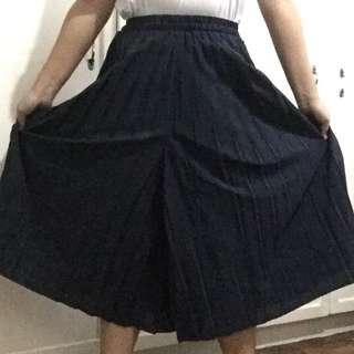 💛 NAVY Pleated Culottes 💛
