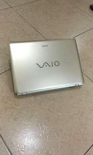 二手良品Sony VGN-CR35T/W14.1吋獨顯筆記型電腦(風華金)硬碟已改SSD