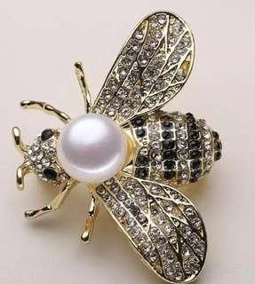 BRAND NEW BROOCHES