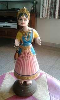 New India Dancing Dolls