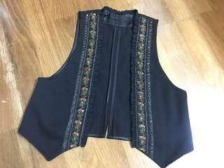🚚 Jeanasis 日系品牌珠飾黑色外搭背心
