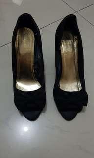 H&M pump shoes