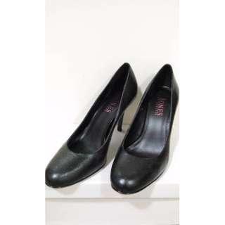 JONES Black leather pumps | EU 36 | Near New