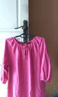 Uniqlo big size magenta blouse