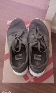 Flip Flop sporty pop x sneaker in dark olive