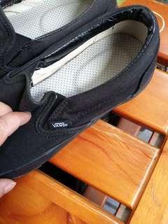 🚚 VANS近新純黑鞋