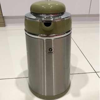 1.6L Thermal Vacuum Flask - Made In Japan
